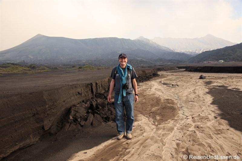 Ausgetrocknetes Flussbett am Vulkan Bromo