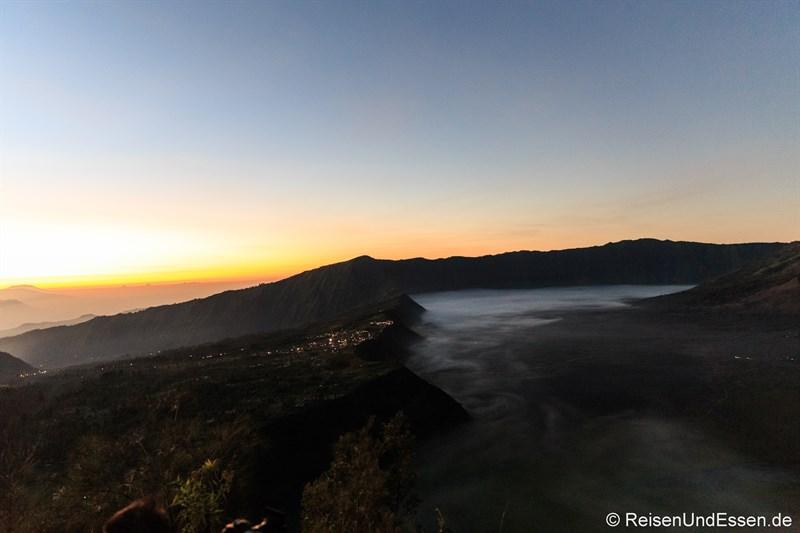 Cemoro Lawang, die Caldera und der Dunst in der Sea of Sand