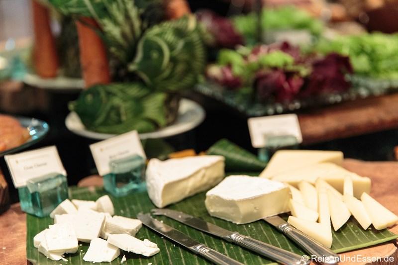 Auswahl an Käse in der Club InterContinental Lounge