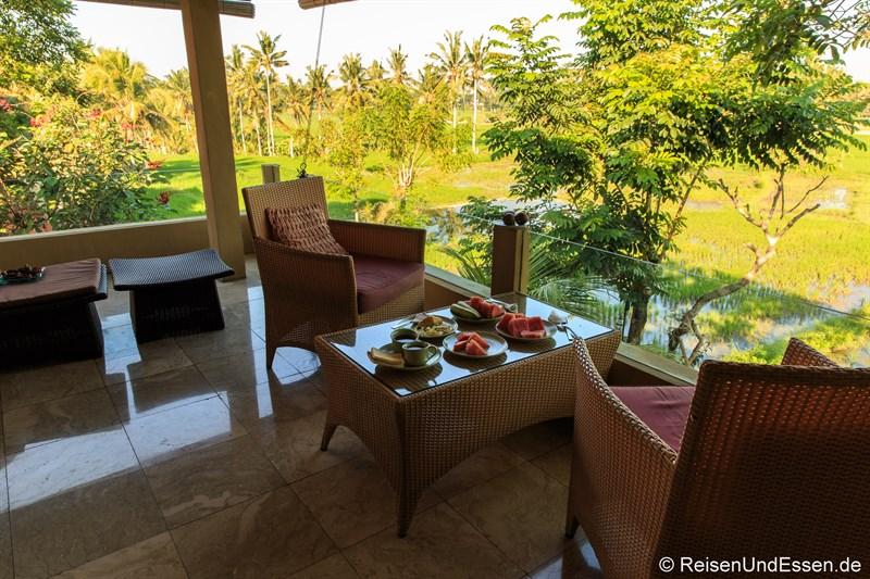 Frühstück auf dem Balkon im Green Field Hotel