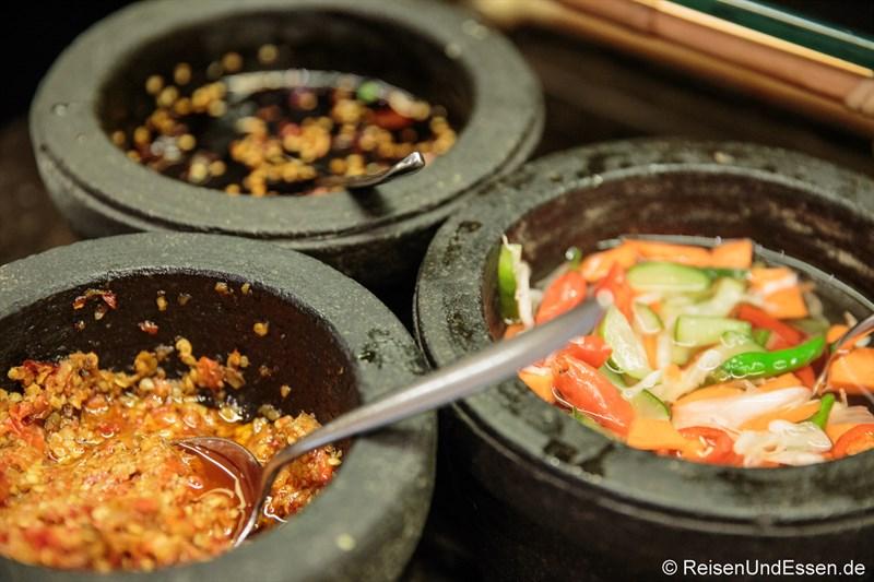 Saucen zum indonesischen Frühstück