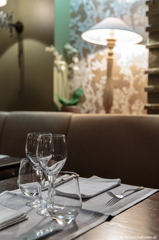 Tisch im Hotel de France in Ornans