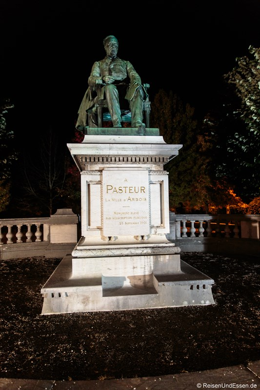 Statue von Louis Pasteur in Arbois