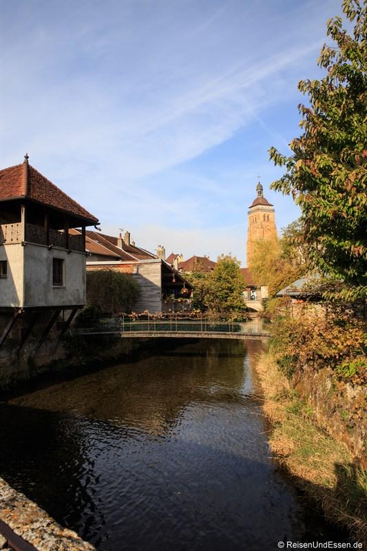 Cuisance und Kirche Saint-Just in Arbois