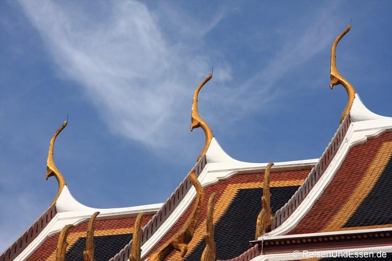 Dächer im Wat Phra Kaeo
