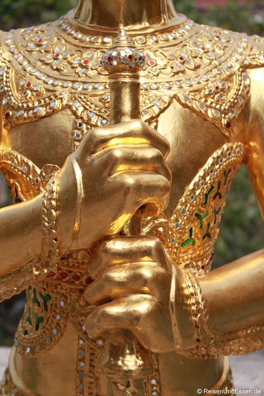 Details einer Figur im Wat Phra Kaeo