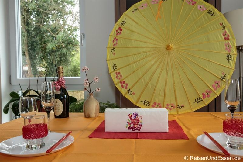 Tischdekoration für chinesisches Neujahr