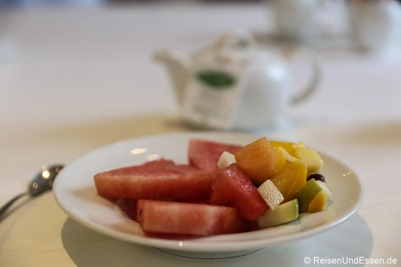 Obstteller zum Frühstück