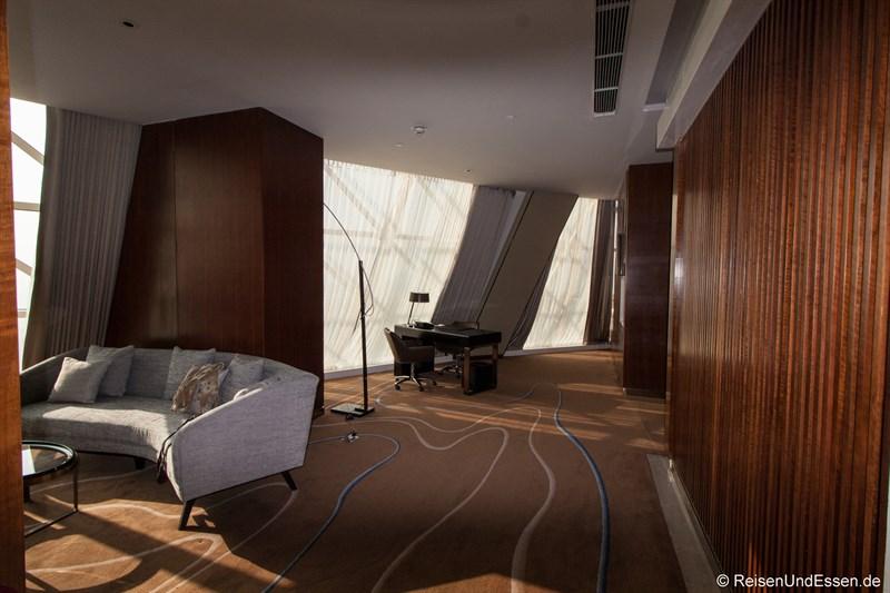 Wohnbereich in der Panorama Suite im Sunrise Kempinski Hotel Beijing
