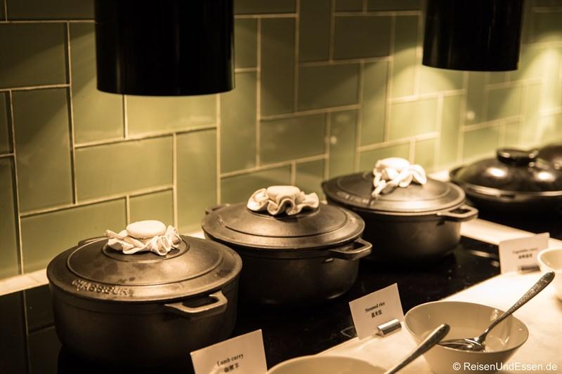 Warme Speisen im Restaurant Elements