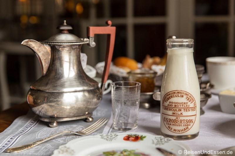 Frische Milch zum Frühstück