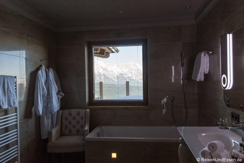 Badezimmer mit Ausblick im Sir Henry