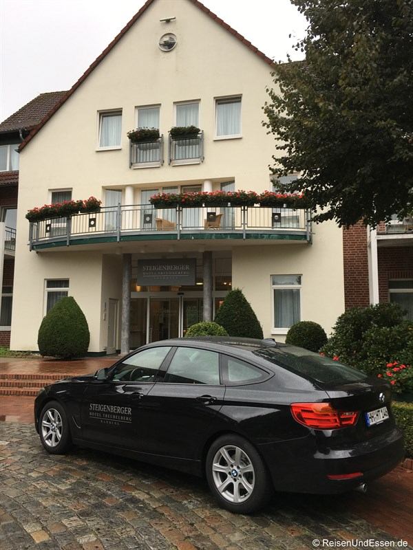 Limousinen-Service im Steigenberger Hotel Treudelberg Hamburg