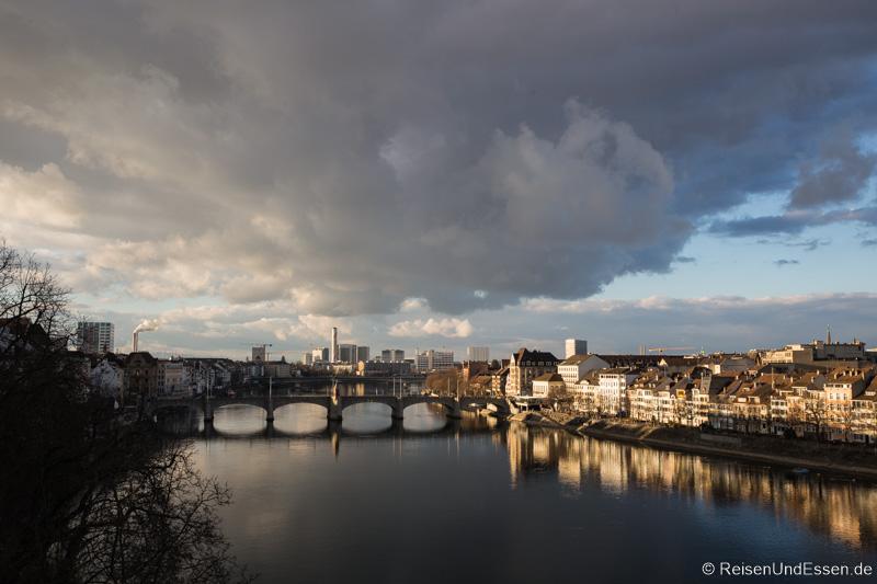 Blick auf Rhein und Altstadt Kleinbasel