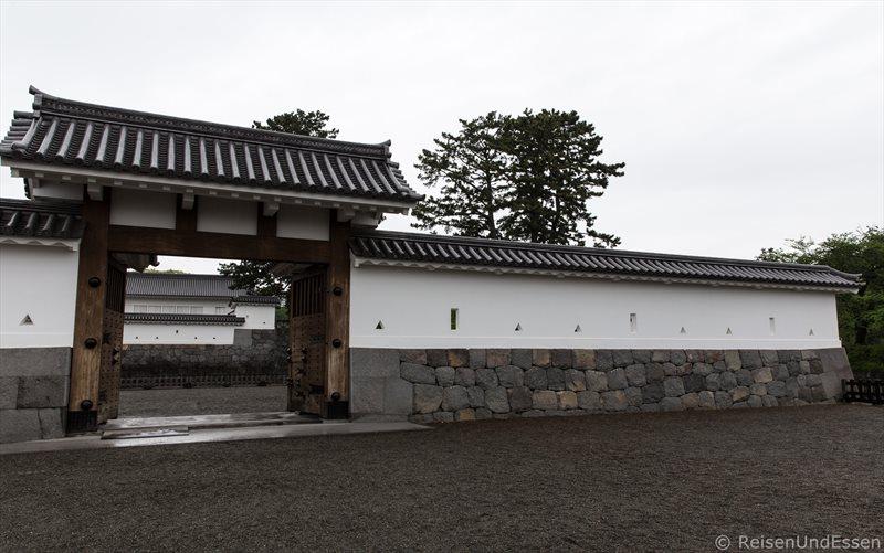 Tor zur Burg in Odawara