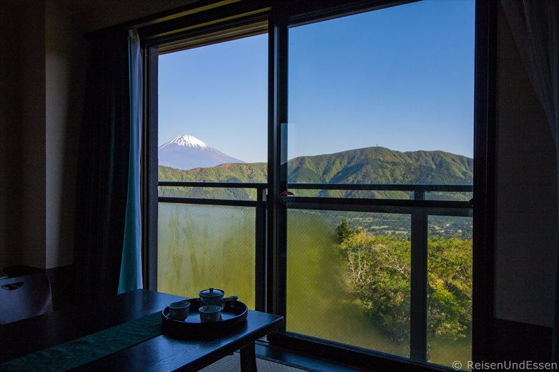 Traditionelles japanisches zimmer mit aussicht auf fuji in for Zimmer mit aussicht