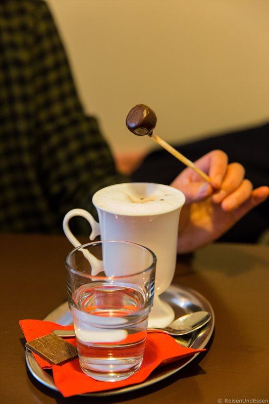 Heisse Schokolade im Atelier Cacao in Berlin Mitte