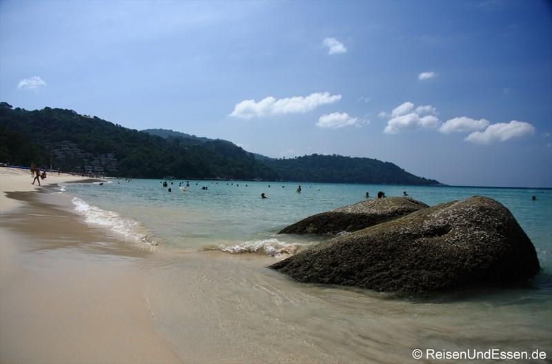 Am Strand vom Kata Noi auf Phuket