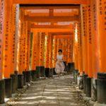 Menschenleeres Fushimi Inari in Kyoto