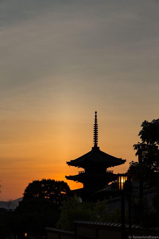 Blick auf Yasaka Pagode bei Sonnenuntergang