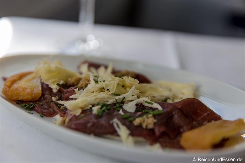 Vorspeise mit gehobelten Black Angus Rindfleisch mit Limonen - Flug von München nach Lima mit Lufthansa in der Business Class