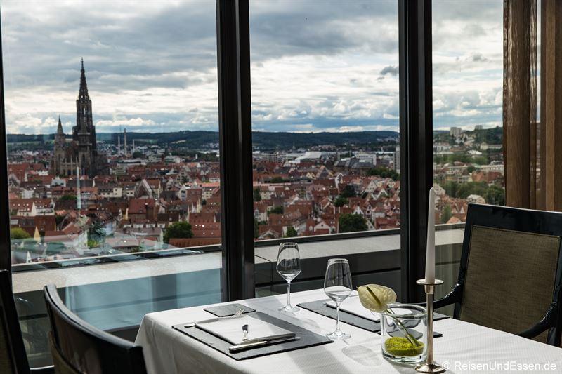 Blick aus dem Restaurant auf Ulm aus dem 16. Stock