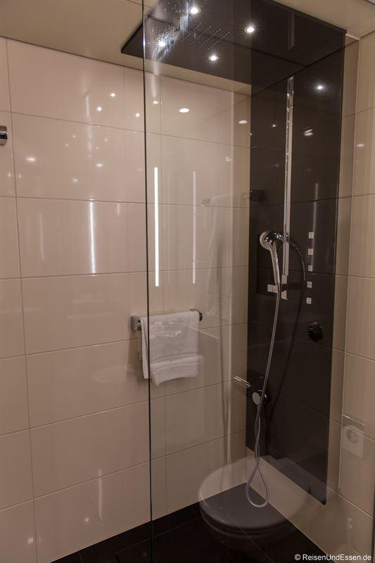 Dusche im Maritim Hotel Ulm