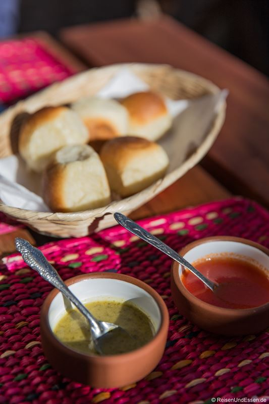 Soßen im Restaurant Pachapapa in Cusco
