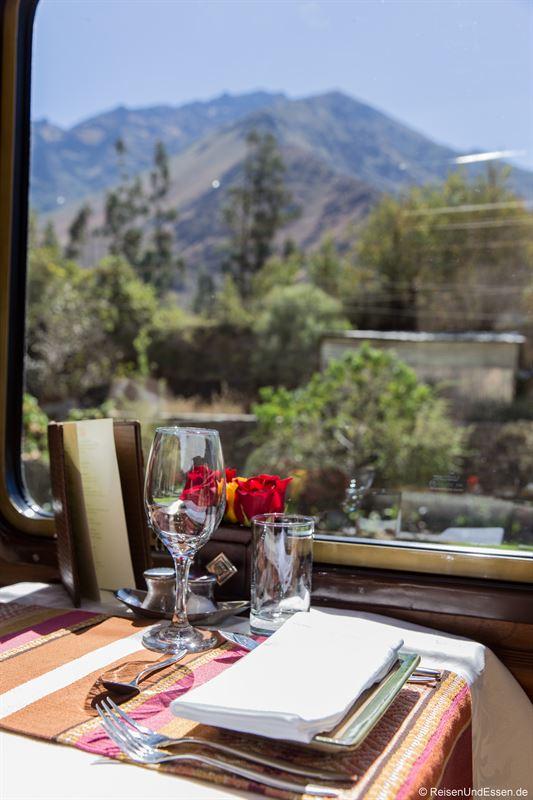 Fahrt durch das Heilige Tal mit Inca Rail