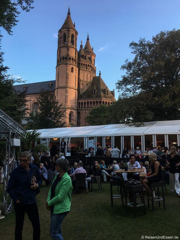 Heylshofpark bei den Nibelungen Festspielen in Worms
