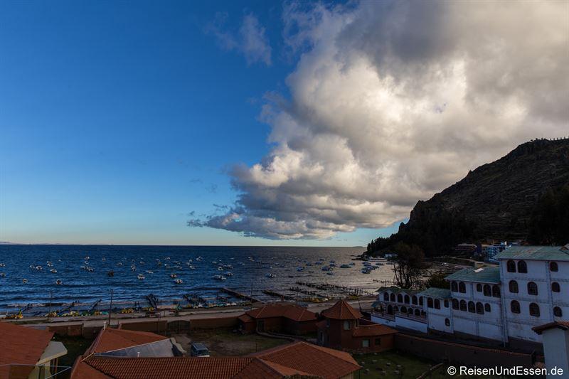 Bucht von Copacabana am Titicacasee in Bolivien