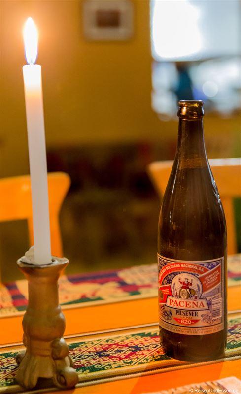 Bier zum Abendessen in der Puma Punku Ecolodge