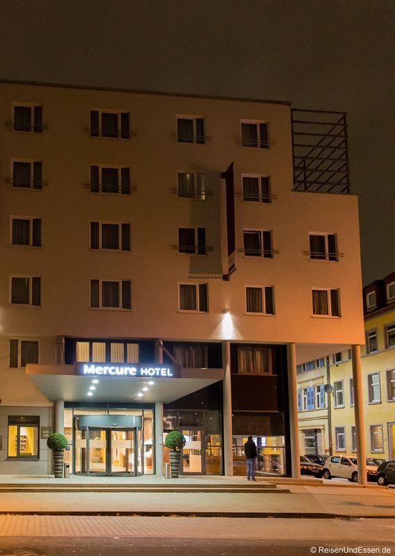 Mercure Hotel Mannheim am Rathaus bei Nacht