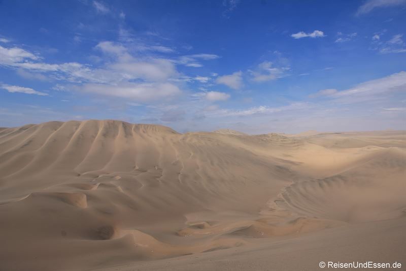 Mittags auf den Sanddünen in Huacachina