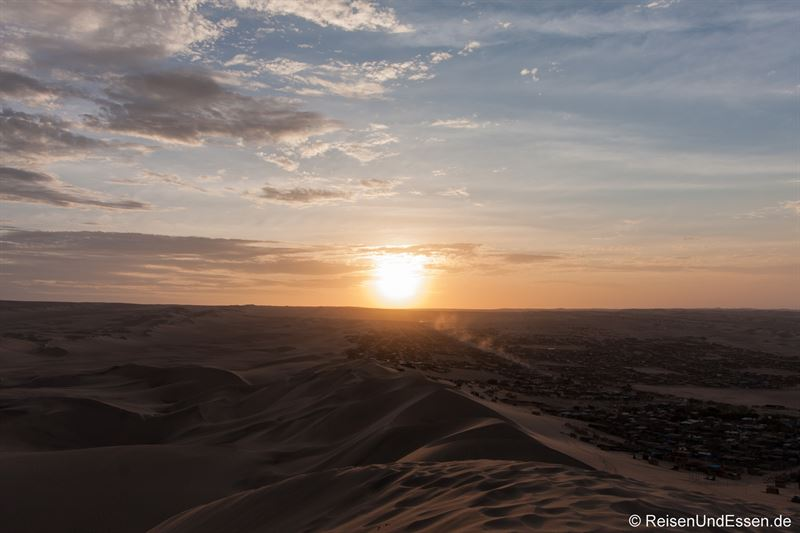 Sonnenuntergang in Huacachina