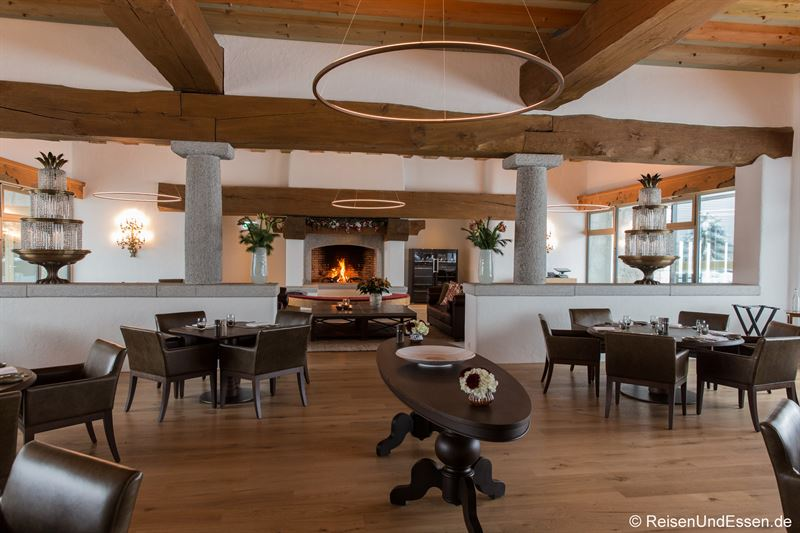 OAK Grill Lounge im Bürgenstock Resort