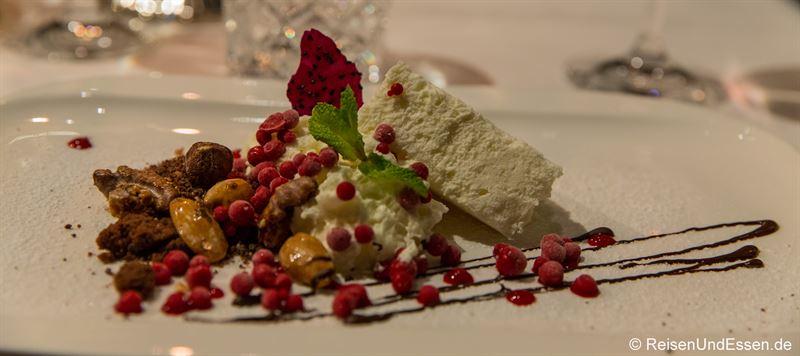 Geschäumtes Mousse von weißer Schokolade