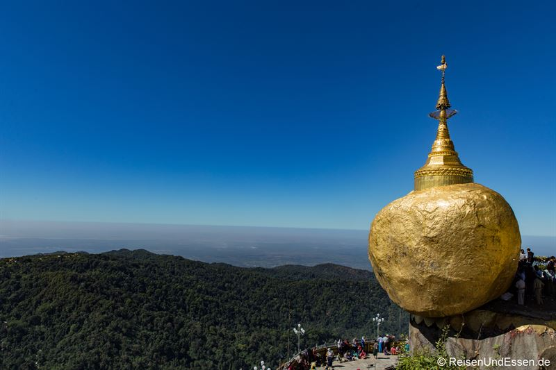 Golden Rock in Myanmar - Goldener Fels in Burma