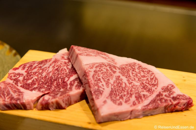 Kobe Rind und Wagyu Steak im Restaurant Ishida in Kobe