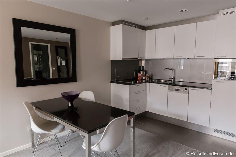 Küchenzeile im Adina Apartment Hotel Berlin Mitte