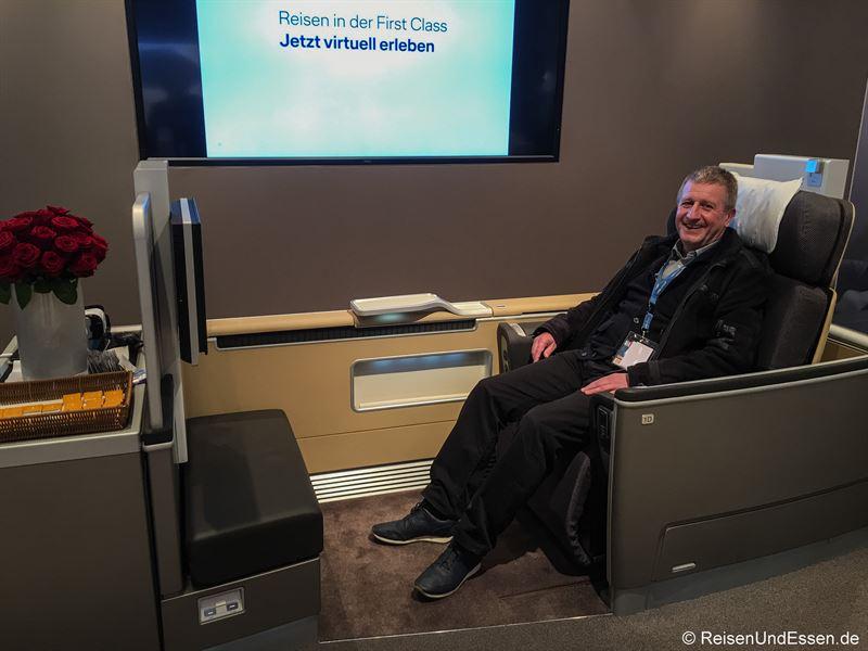 Probesitzen in der First Class von Lufthansa auf der ITB