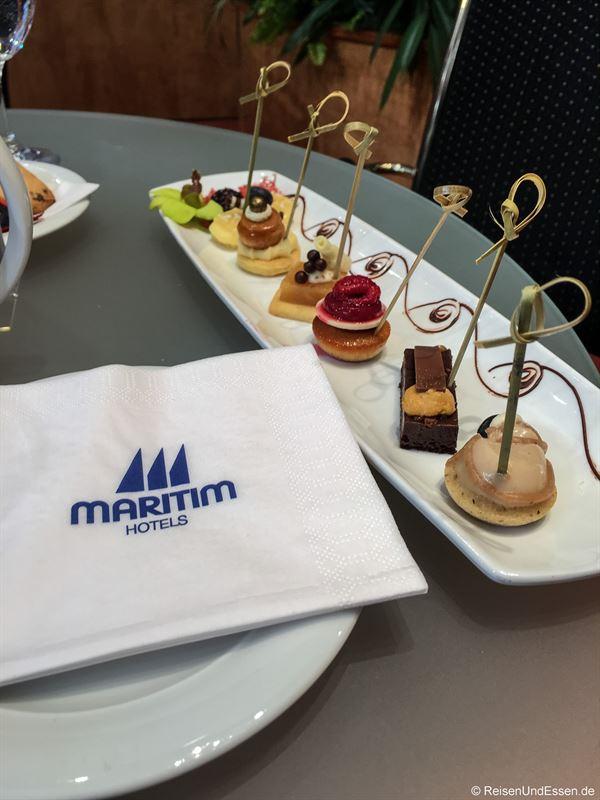 Süße Versuchungen am Stand von Maritim Hotels auf der ITB