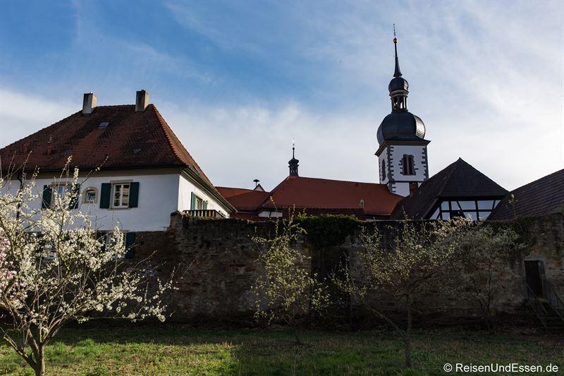 Stadtmauer und Kirche in Prichsenstadt