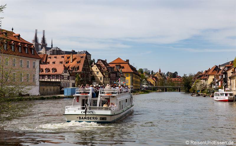 Ausflugsschiff auf dem linken Regnitzarm