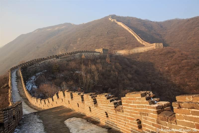 Chinesische Mauer in Mutianyu im Winter