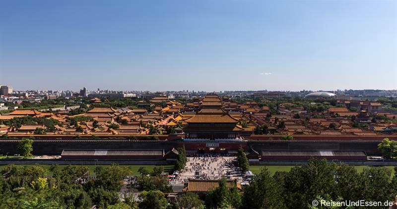 Blick vom Kohlehügel auf die Verbotene Stadt in Peking