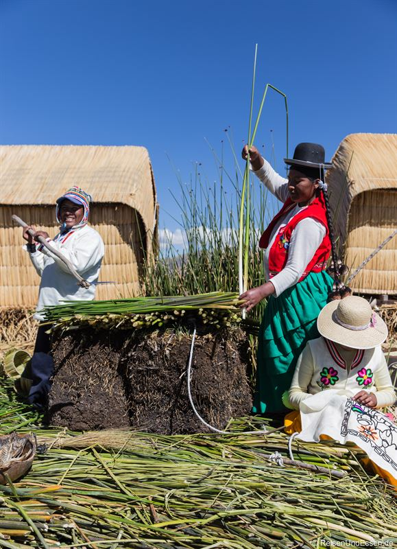 Konstruktion der schwimmenden Inseln im Titicacasee