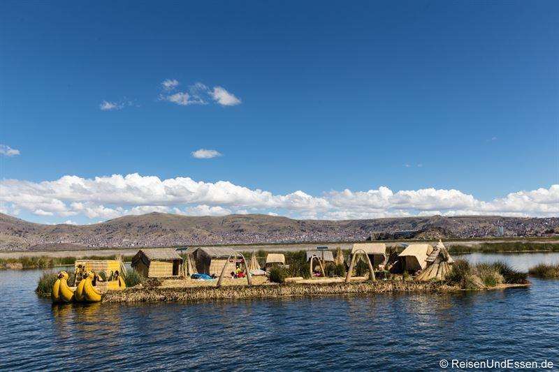 Schwimmende Insel der Uros im Titicacasee