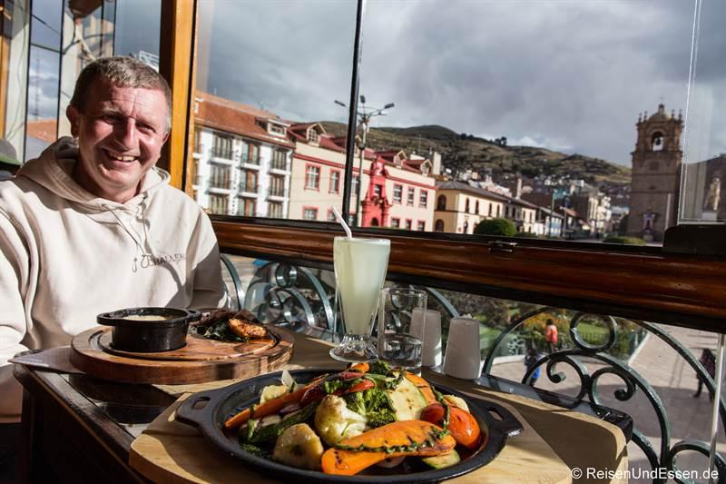 Essen im Mojia Restaurant in Puno am Titicacasee