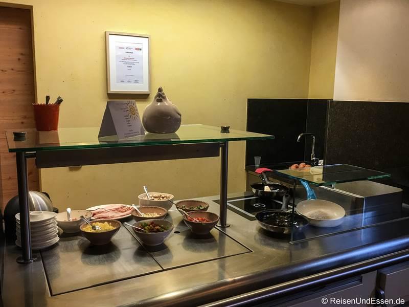 Stand für Omelette und Eier beim Frühstück